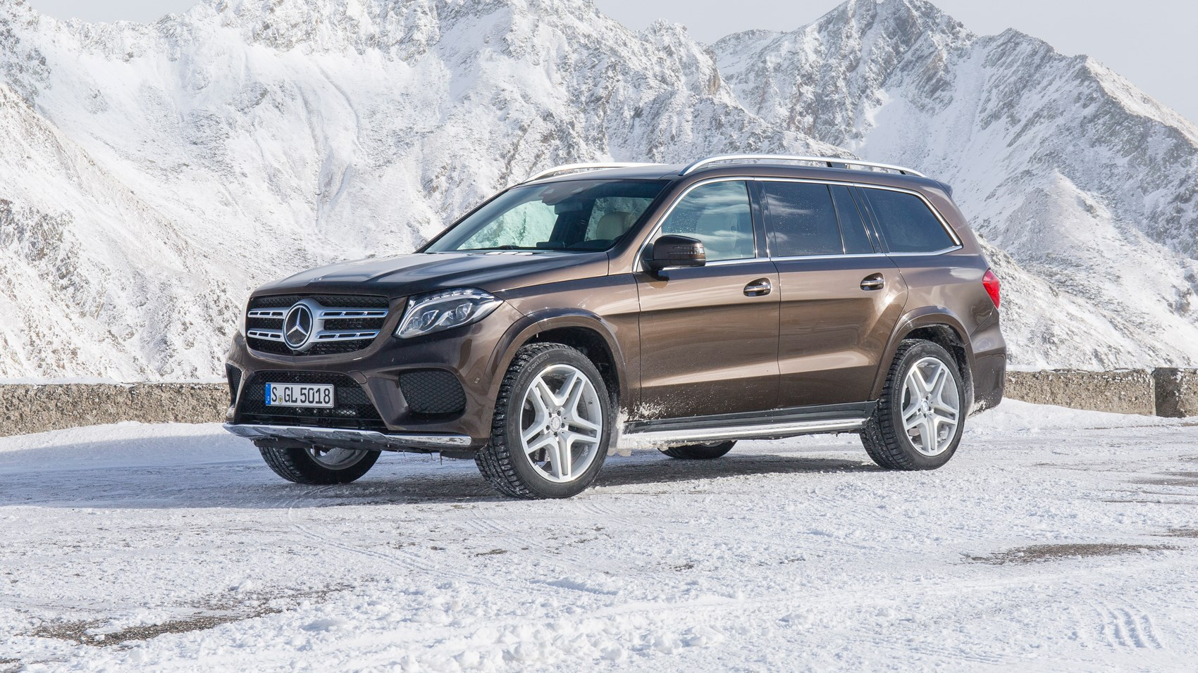 Mercedes GLS 350 CDI power service luxury car hire