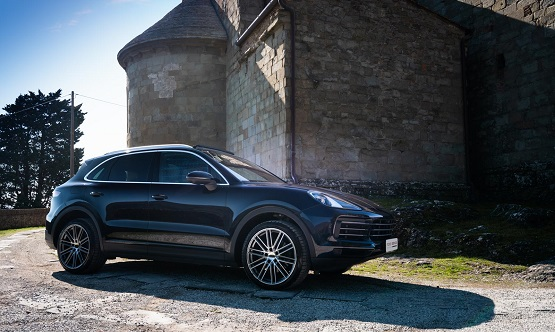 Porsche Cayenne - Power Service Luxury Car Hire