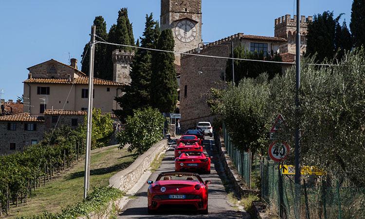 ferrari tour italy tuscany power service luxury car hire ferrari lamborghini porche maserati mclaren mercedes bentley in italy tuscany europe florence rome milan monaco geneva nizza montecarlo