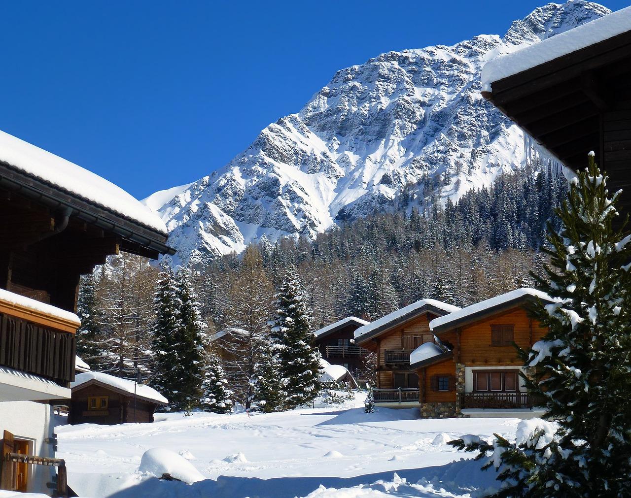 Visit Switzerland best ski resorts renting a Range Rover Sport - Range Rover Sport